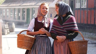 Den Gamle By - maids in Living history