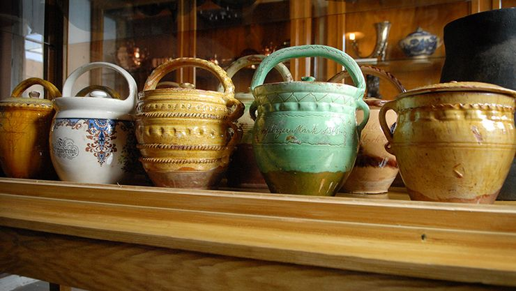 Den Gamle By - clayjars at the Musaeum