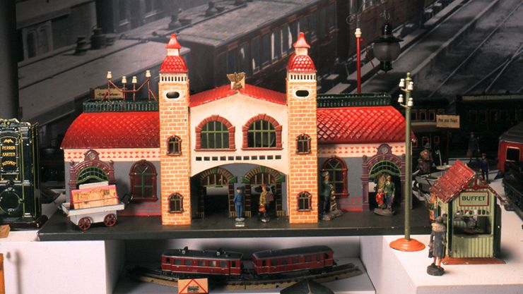Den Gamle By - well-preserved trainstation at the Toy Museum
